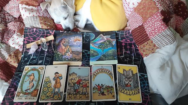 April Monthly Tarot Reading