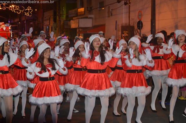 2ª Parada de Natal de Registro-SP começou neste último sábado 03/12