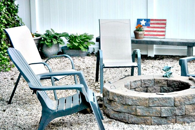 Outdoor fire pit area with DIY fire pit. Homeroad.net