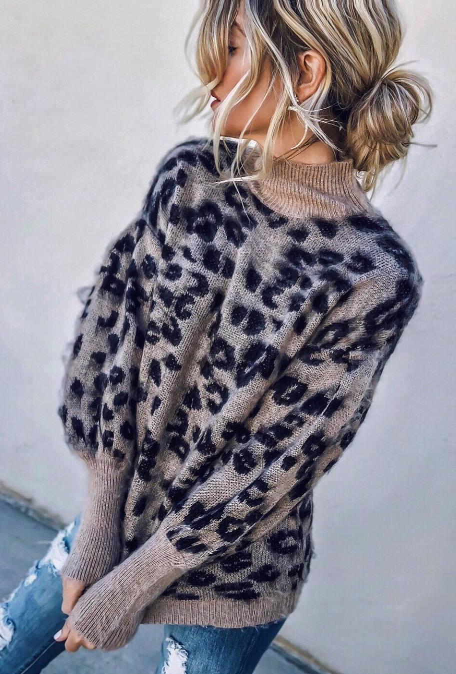 simple fall outfit / leopard sweater and ripped jeans