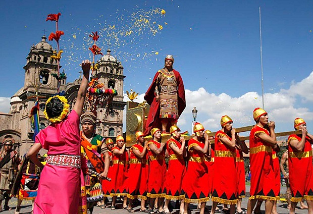 El Qhapaq Inti Raymi, La Fiesta Inca de la riqueza de la lluvia de la abundancia del reinicio de la fecundidad de la juventud del rito