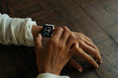 Spesifikasi & Harga Apple Watch 5