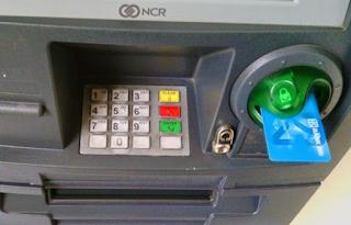 Kartu tertelan mesin ATM