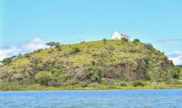 FPI: Equipe Patrimônio Cultural visita Igreja do século XVII em ilha do Rio São Francisco
