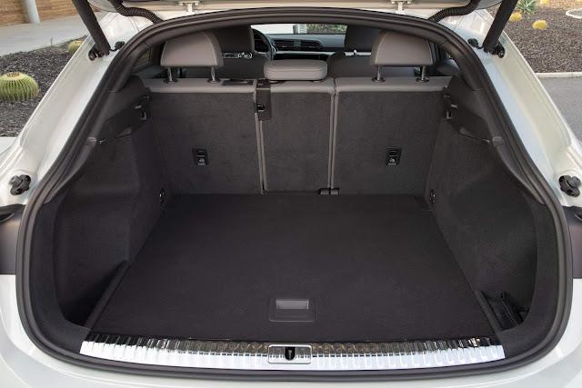 Audi Q3 Sportback 45 TFSI quattro S line  - porta-malas