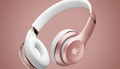 Apple develops a removable and customizable luxury headset