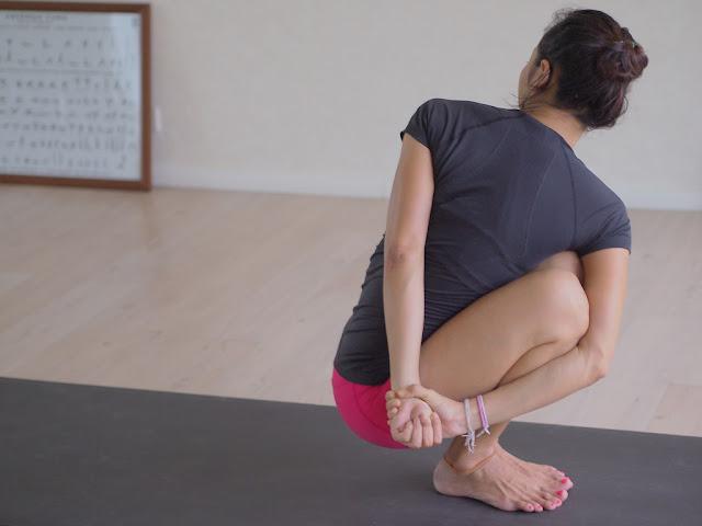 Mỗi ngày một tư thế Yoga | 19 Tư thế mối thòng lọng