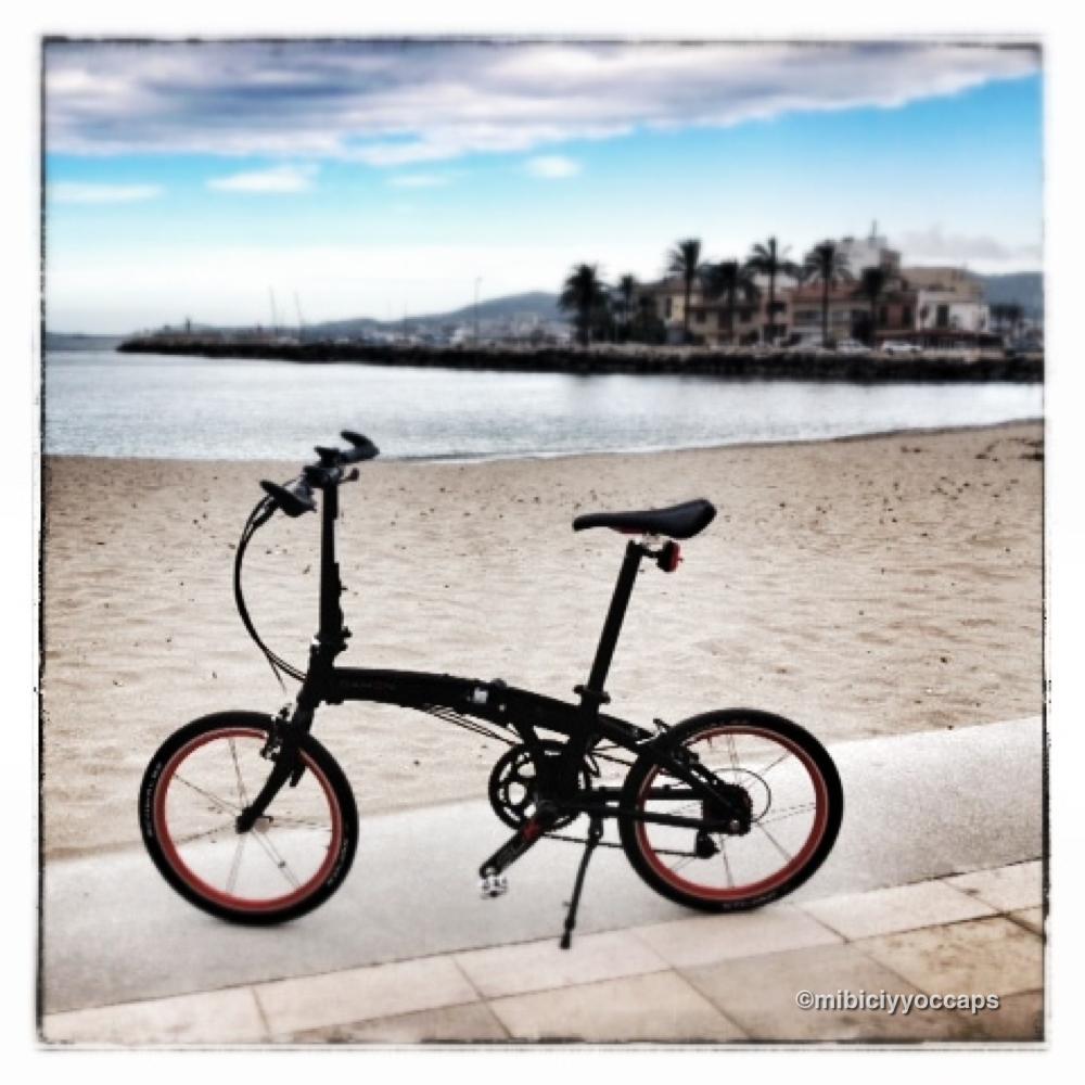 Parking bicis en el Barrio de Canamunt