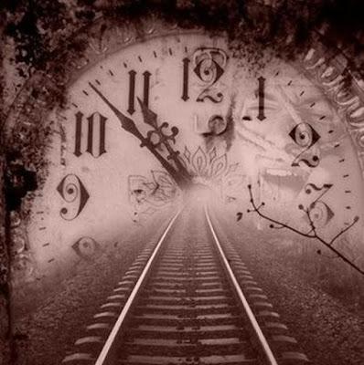O tempo de Deus tem seus mistérios,  porém não nos cabe entender,  mas confiar.  O nosso tempo tem pressa,  o Dele tem perfeição.  Esperar nele pode ser   mais difícil das escolhas,  mas Deus é o dono do tempo   e como tal determina o nosso  hoje e escreve o nosso amanhã.  Quem Nele espera jamais será decepcionado,  mas surpreendido!