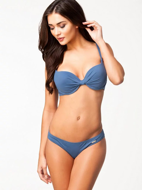 amy jackson latest hot bold bikini photos 17 - Best 40 Lingrie(Bikini) Images Of Amy Jackson Sexy Photos Of British Model I & Enthiran Actress Showed Everything For Modeling in UK Before Entering into the Indian Film Industry