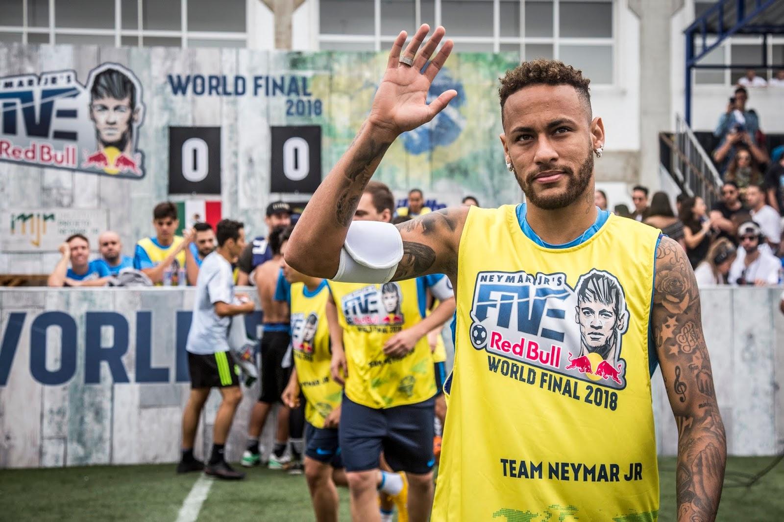 Neymar jr Five в Украине