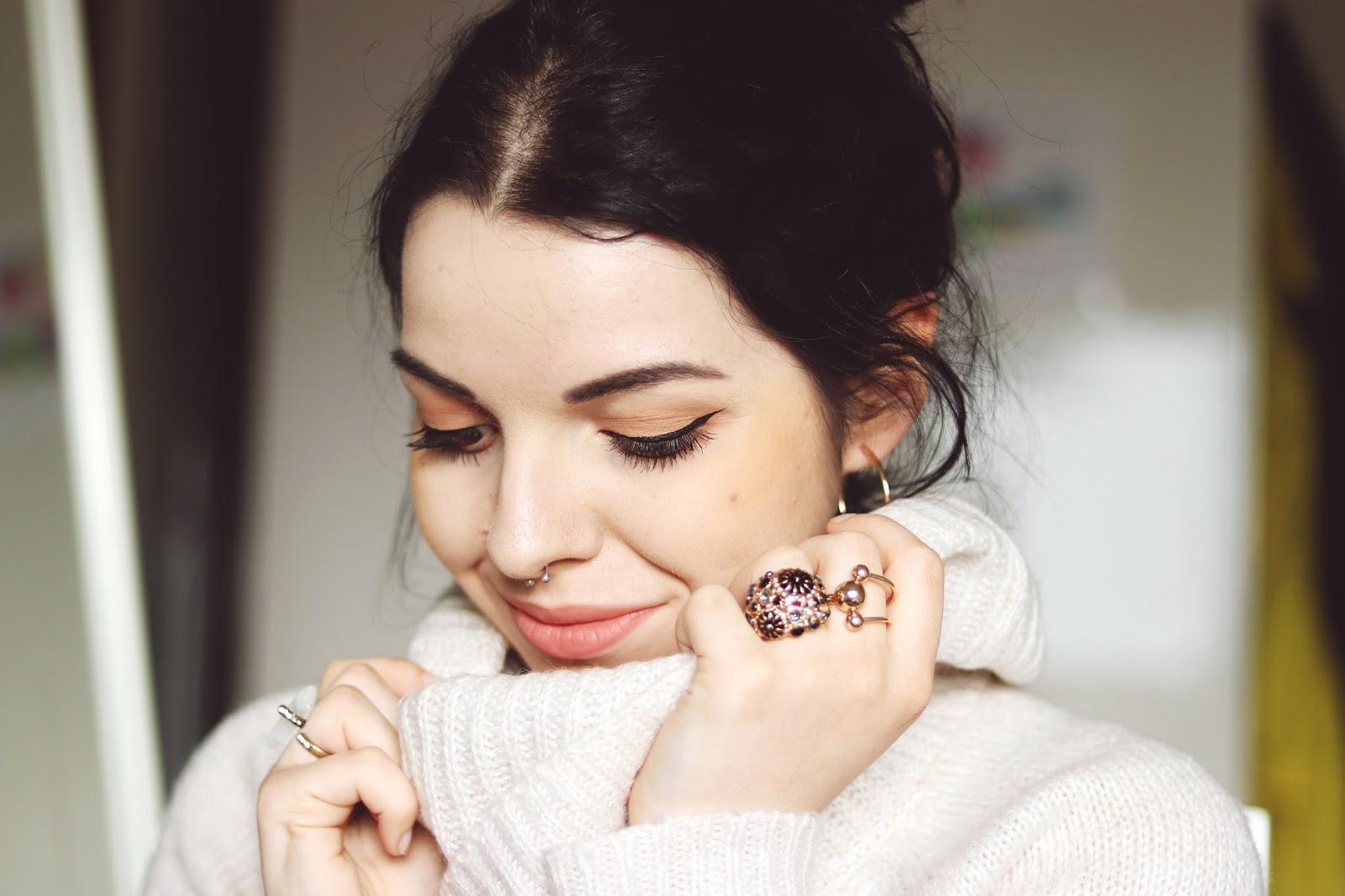 Makijaż z użyciem kosmetyków mineralnych Annabelle Minerals