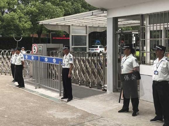 Acuchillan a niños en una escuela de China; mueren dos