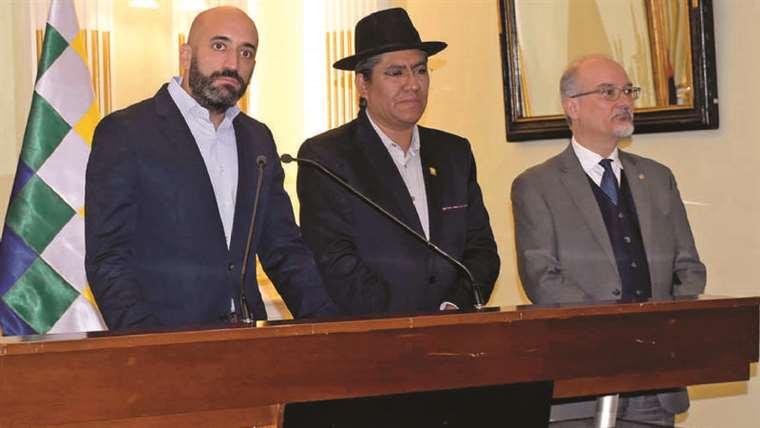 Espinoza había emitido su disconformidad previa con la reelección indefinida a través de Twitter / PÁGINA SIETE