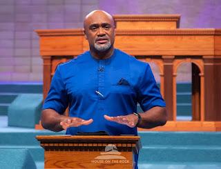 Pastor Paul Adefarasjn