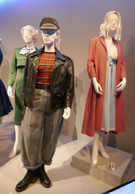 Marvelous Mrs Maisel season 1 costumes