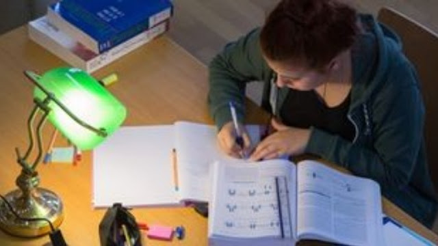 Από το κακό στο χειρότερο: 32% των Ελλήνων μαθητών με χαμηλή επίδοση σε ανάγνωση, γραφή και μαθηματικά