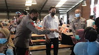 Kapolda Banten Cek Prokes Vaksin Karyawan di PT. Aggiomultimex