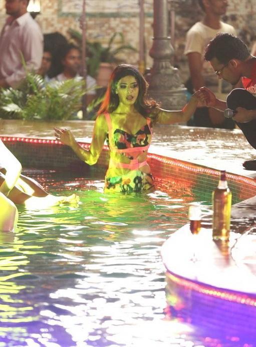 Rina Charaniya Bikini Pool Party Shiner Photos