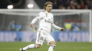 Modric to take pay cut with his new contract to help Madrid financially