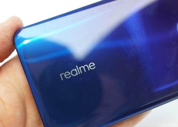 Có nên ra mắt REALME sau Snapdragon 855 + SMARTPHONE sau ASUS không?