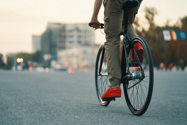 Perlengkapan Sepeda Yang Harus Dibawa Saat Gowes di Jalan