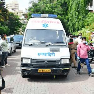 बॉलीवुड स्टार सुशांत सिंह राजपूत के शव को मुंबई पुलिस ने अस्पताल में किया शिफ्ट, देखिए वीडियो