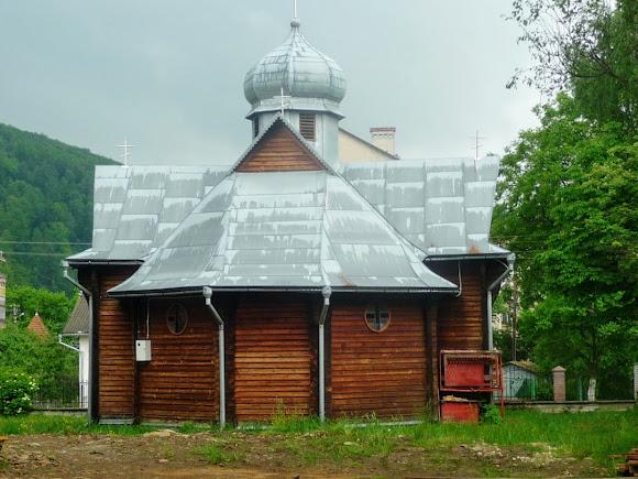 Вигода. Церква Різдва Пресвятої Богородиці. УПЦ КП