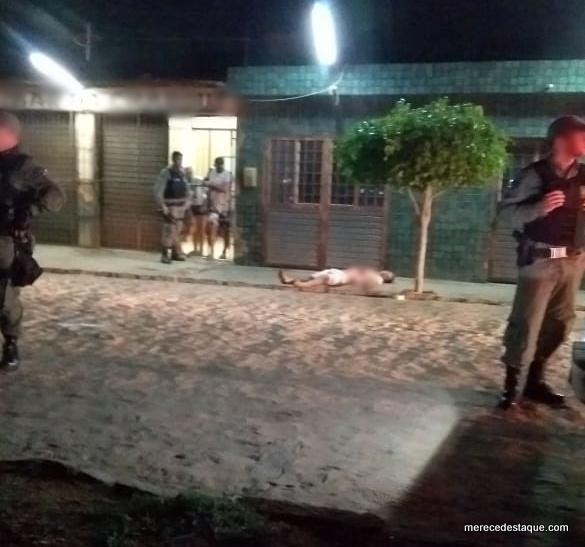 Homem é assassinado a facadas em Santa Cruz do Capibaribe
