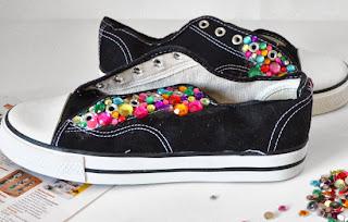 Boncuklarla Spor Ayakkabı Süsleme