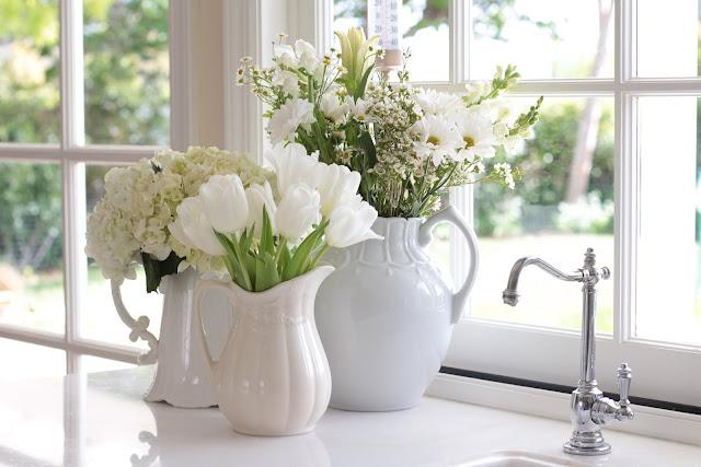 spring-tour-white-flowers