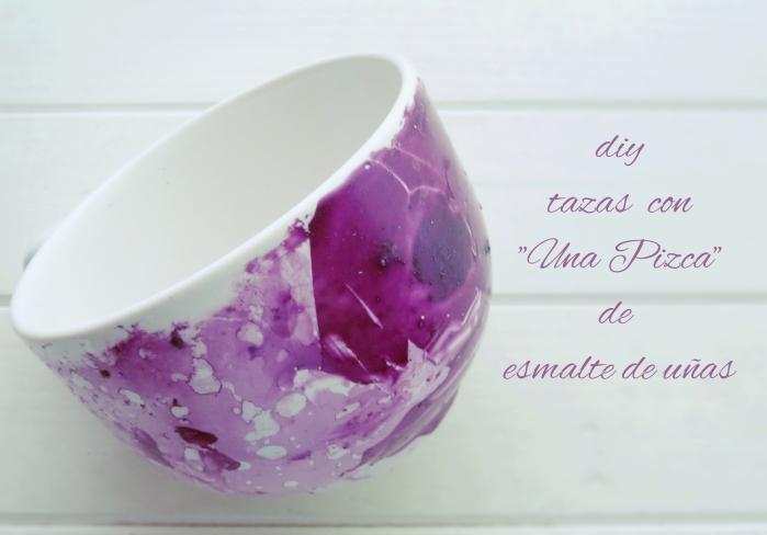 Taza de porcelana con efecto marmolado