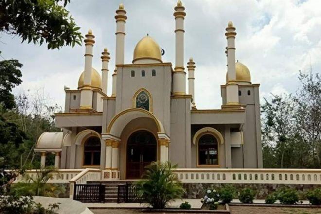 Viral, Masjid Megah Bak Istana di Tengah Hutan Jadi Perbincangan Warga Net - bone terkini