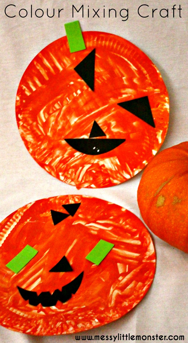 Colour mixing pumpkin craft for toddlers and preschoolers.  A simple halloween activity for kids to explore colour (color) mixing.