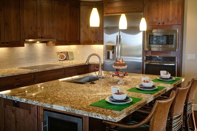Tips for Choosing a Set of High-Quality Wall Cabinets for Your Kitchen