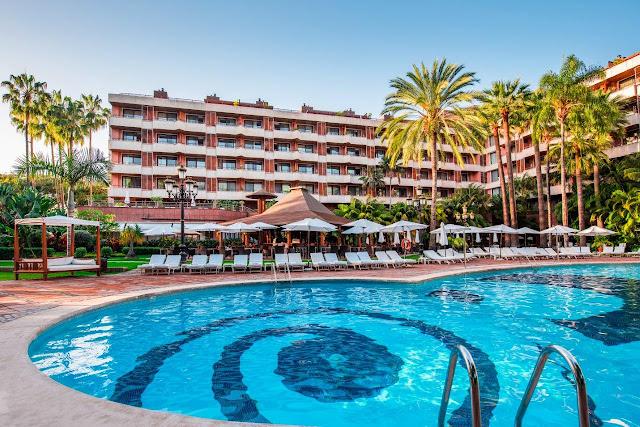 hotel botanico piscina