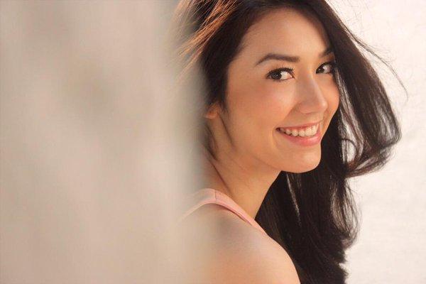 100 Artis Tercantik Indonesia Saat Ini