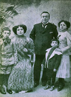 Peppini, second from the right, with his father, mother, brother and sister in about 1910