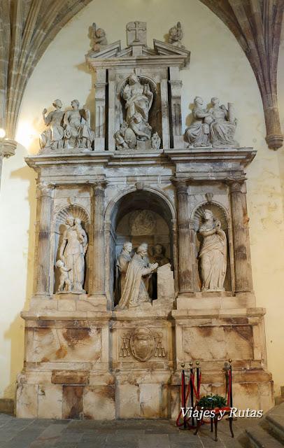 Mausoleo de Fernando Valdes-Salas en la Colegiata de Santa María la Mayor, Salas, Asturias