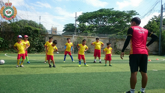 Học bóng đá cho thiếu nhi