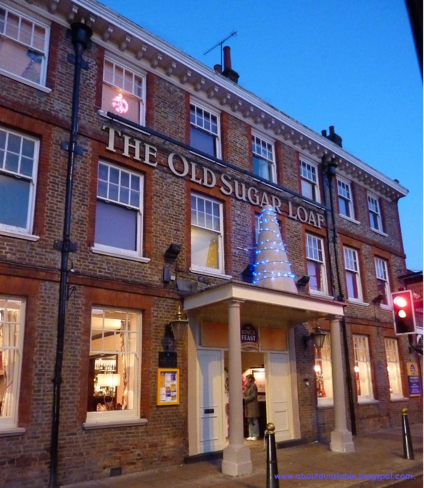 In Dunstable Bedfordshire: About Dunstable : Shops & Businesses In Dunstable