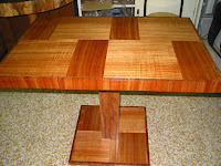 栴檀(せんだん)のテーブル