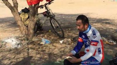 naik haji bersepeda dari china