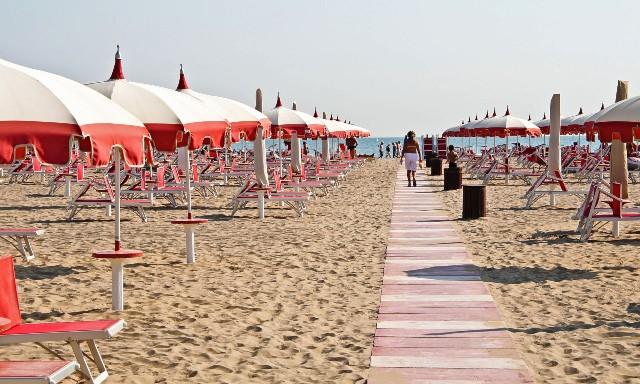 rimini-spiaggia-poracci-in-viaggio