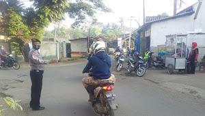 Antisipasi Kemacetan Jam Sibuk Personil Sabhara Polsek Paseh Polresta Bandung Gatur Lantas Pagi