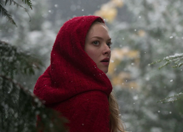 'Red Riding Hood' (2011) - A Deceptive and Dark Fairy Tale. Amanda Seyfried stars in this fantasy fairy tale. Text © Rissi JC