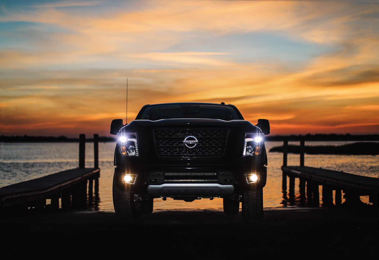 2018 Nissan Titan Priced From $31,075, Titan XD From ...