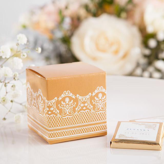 Propozycja podania czekoladek: pudełeczka na podziękowanie