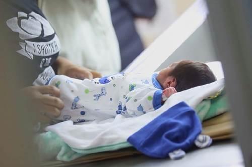 AHORA: Confirman el caso en Roca de un bebé de 3 meses con COVID-19