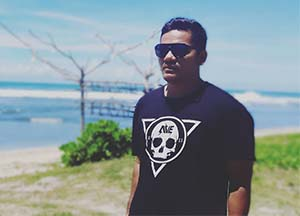 Pangeran Tyson di Pantai